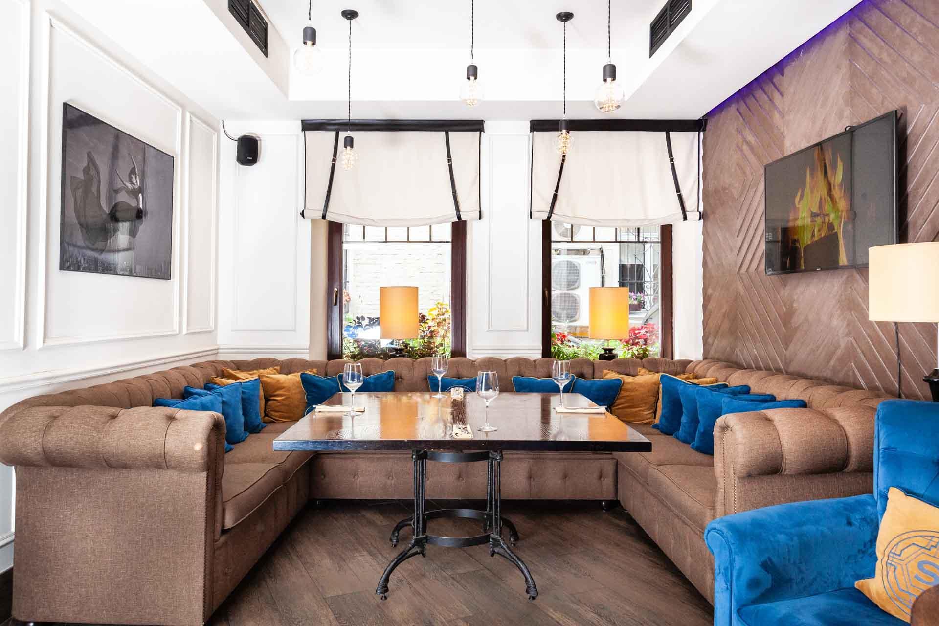 Lounge кабинет / 1 этаж / вмещает 11 гостей