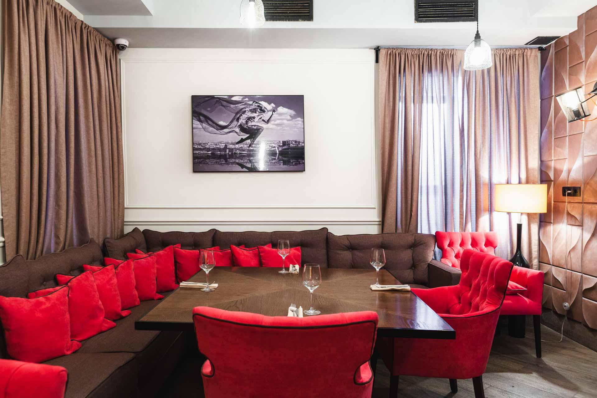 Lounge кабинет / -1 этаж / вмещает 10 гостей